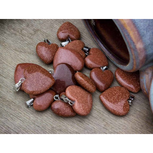 RM alkotóműhely Szintetikus napkő szív ásvány medál